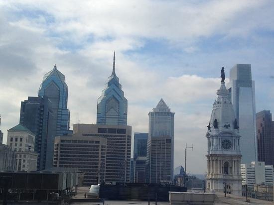 Loews Philadelphia Hotel: View from our 21st floor room