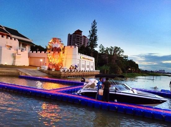 Buddy Oriental Riverside Pakkred: At buddy oriental riverside during loy krathong festival