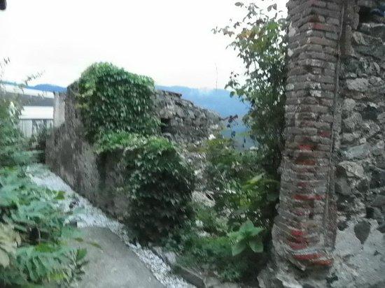 Agriturismo Costa di Faraggiana : Rustic area off the veranda