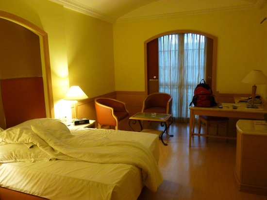 The Residency Towers: Room overview