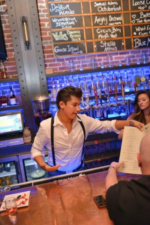 Broadway Social: Amazing staff to make your experience more enjoyable.