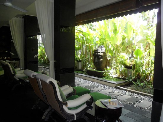 The Spa at The Breezes Bali Resort : Ante-room of spa at The Breezes Bali