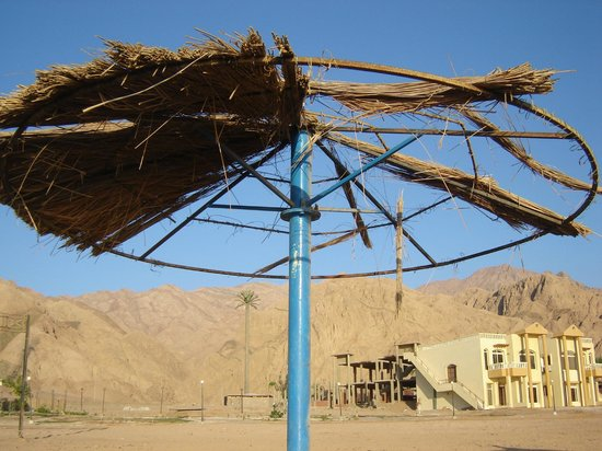 Sea Sun Hotel Dahab: Зонтик от солнца