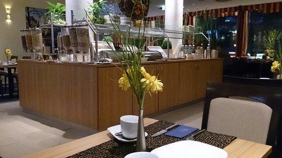 CityClass Hotel Europa am Dom : Breakfast buffet