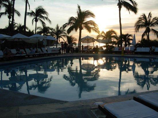 Club Med Ixtapa Pacific: pool area