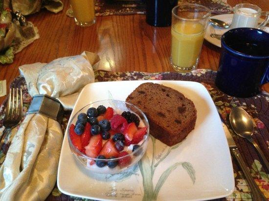 The Wild Iris Inn : 1st Course of Breakfast