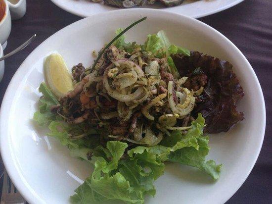 Seven Seafood & Grill : Starter: Seafood salad