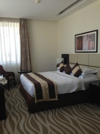 Cristal Hotel Abu Dhabi : Bed