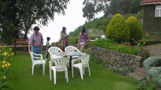 Villa Retreat: open air restaurant the best view