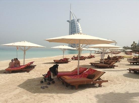 Jumeirah Dar Al Masyaf at Madinat Jumeirah: beach, free towels and sun beds use