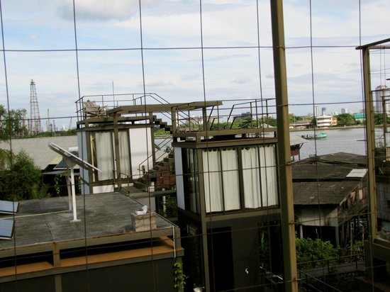 Bangkok Tree House: View of other rooms from our rooftop balcony