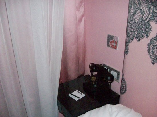 Hotel Vice Versa : Habitación