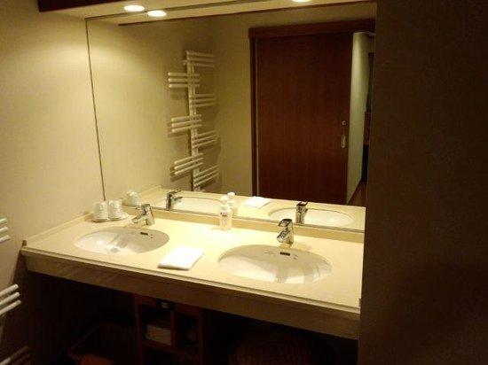 Naruko Hotel: 洗面所