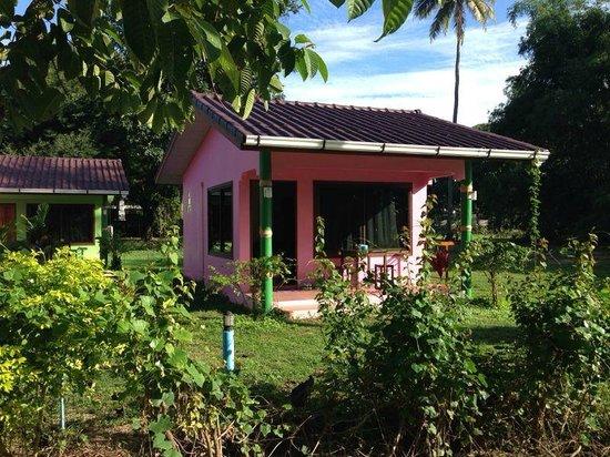 Mai Khao Beach Bungalows Bungalow Pink