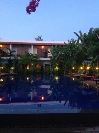 La Niche d'Angkor Boutique Hotel : piscina