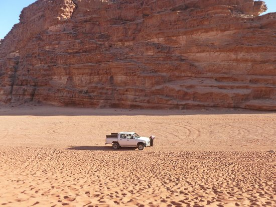 Bedouin Advisor Camp: Wadi Rum 4x4 tour