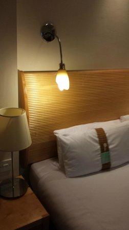 Holiday Inn London - Heathrow Ariel : Holiday Inn Ariel - Room view