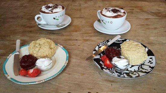 Johnny's Cafe: A fabulous Vegan cream tea (or rather hot chocolate!)