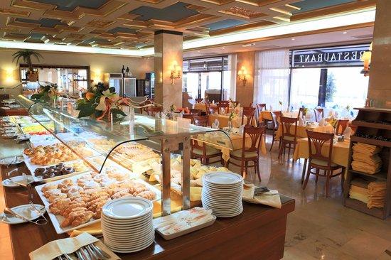 Gran Hotel Delfin: Zona Comedor