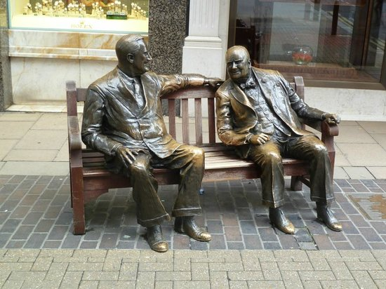 Statue of FDR and Churchill on the area between Old and New Bond Street