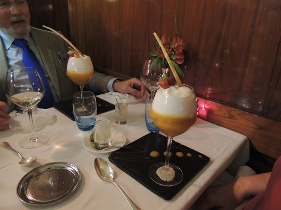 Le Miramar : The dessert, passion fruit and mango juice topped with whipped coconut milk