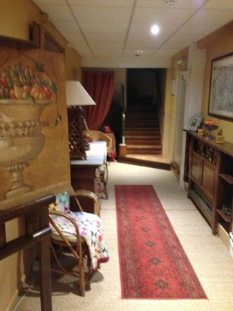 Auberge le Luberon: stairs