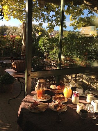 Auberge le Luberon: breakfast was amazing