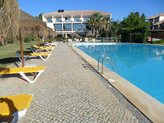 Luzmar Villas: piscina
