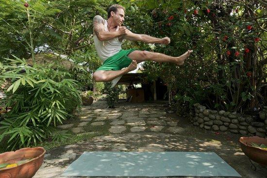 Tai Bo Fitness: Kick Flying