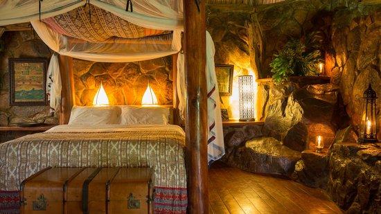 Mukutan Retreat : Our Honeymoon Room