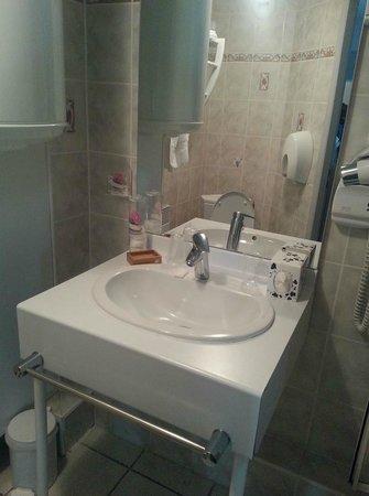 Hotel Du Parc : La salle de bain