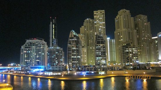 Signature Hotel Apartments And Spa Night View Of Marina Walk Directly Beside Building