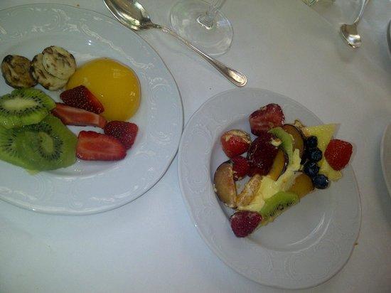 Hotel Terme Due Torri : Selezione dal buffet frutta e dessert