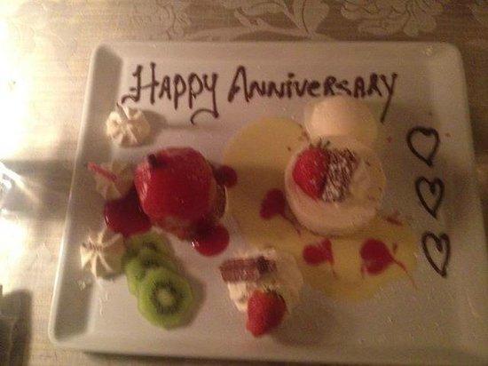 White Gables Restaurant : Dessert ( Poached Pear & Baileys Cheesecake Sharing platter)