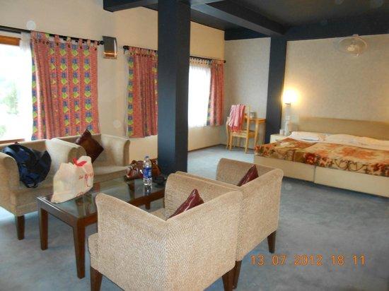 Honeymoon Inn Manali : nice and spacious room