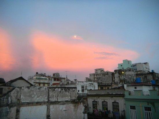 La Roomantic Colonial: Ciel vue du balcon