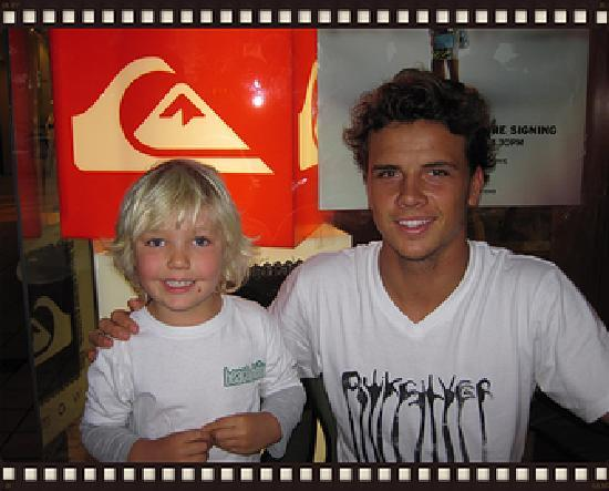 Beach Bum Australia : Pro Surfer Julian Wilson meets Beach Bum Sacha