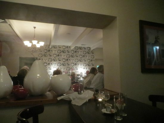 Burgundy Restaurant: decor