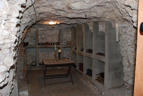 Chateau de Jalnay : cave de vin