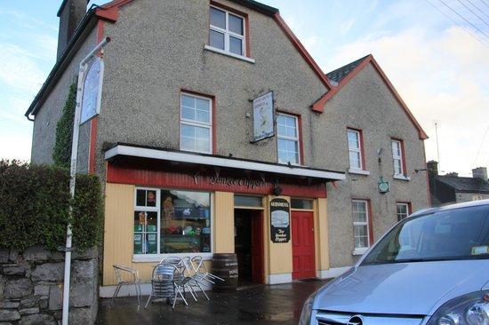 Foynes Flying Boat Museum : Pub de légende