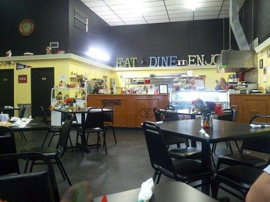 Cousins Cafe: Diner Interior