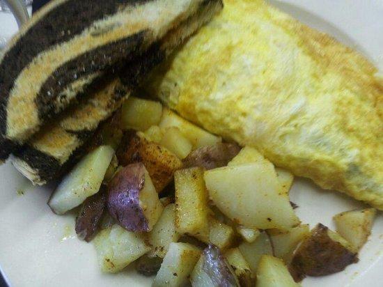 Cousins Cafe: Veg Omelet/Homefries