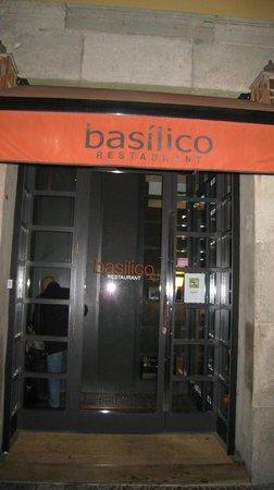Basilico Gastrobar: su entrada