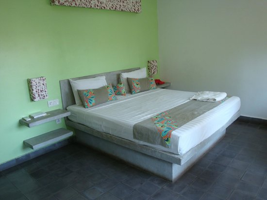 the 252 fine bed in cement like all pieces of furniture cement furniture