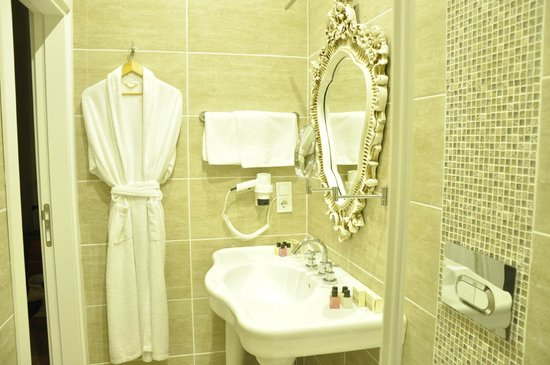 The White Swan Suites: SDB