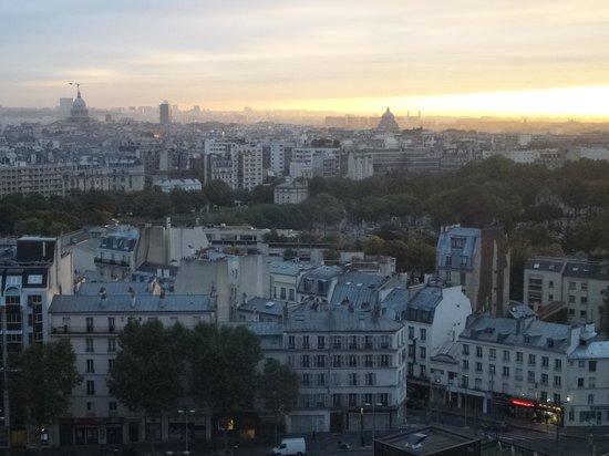 Pullman Paris Montparnasse : パリの町を見下ろせる