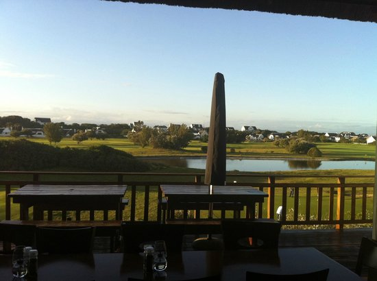 Barrons Grill: View from outside deck