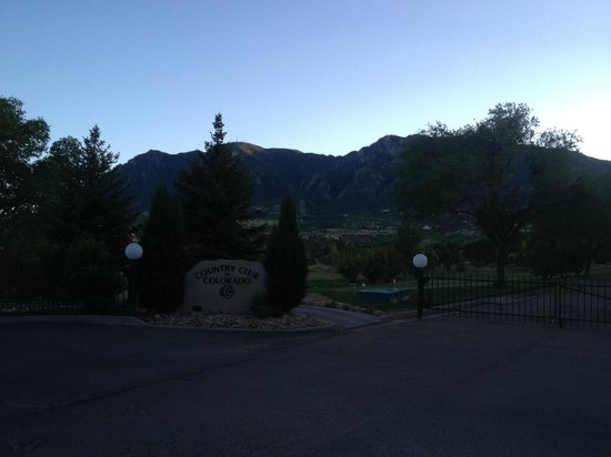 Cheyenne Mountain Resort : Entrada Campo de golf