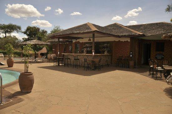 Sentrim Amboseli: Bar piscine