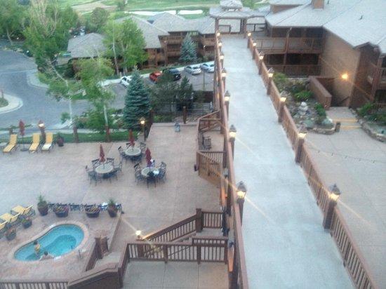 Cheyenne Mountain Resort: Area de transferencia para outro bloco de aptos